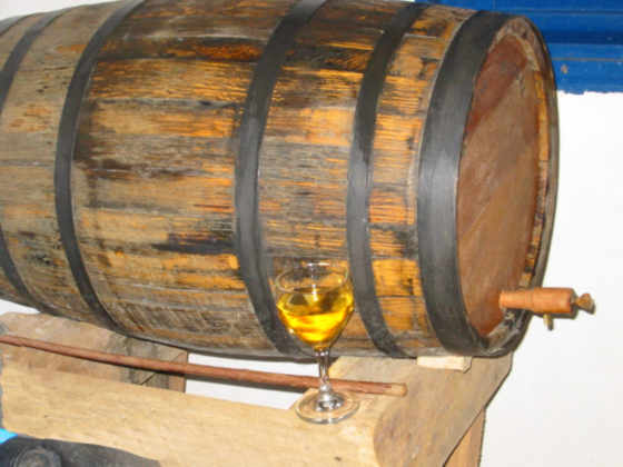 barril Destilando: Hidromel