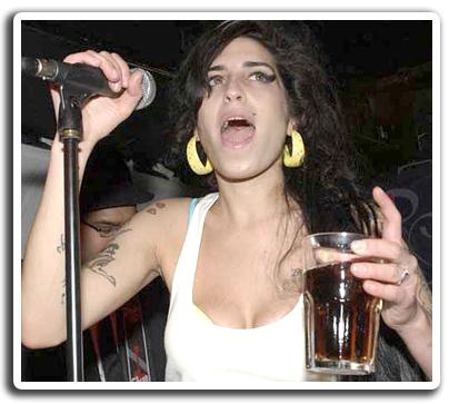 Amy Winehouse: Bochornoso Concierto En Belgrado.