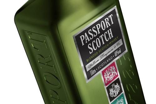 Whisky passaport nova garrafa verde novo rotulo