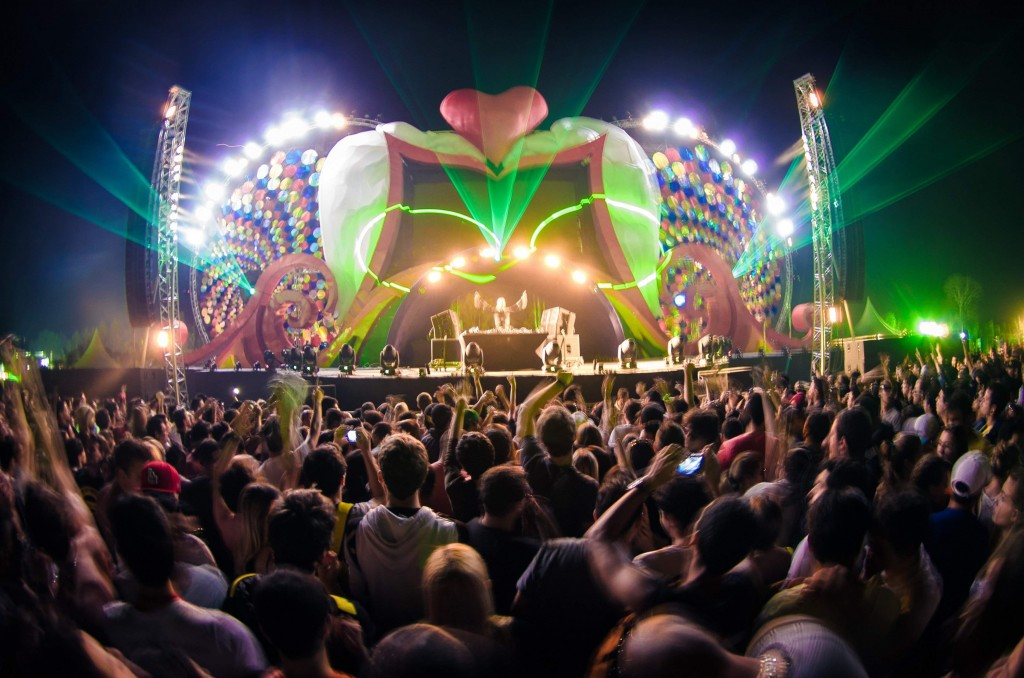 XXXPERIENCE Curitiba 2012 (Fonte: MixMag)
