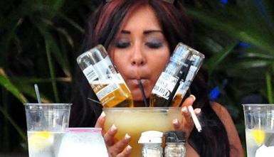 snooki drinking web