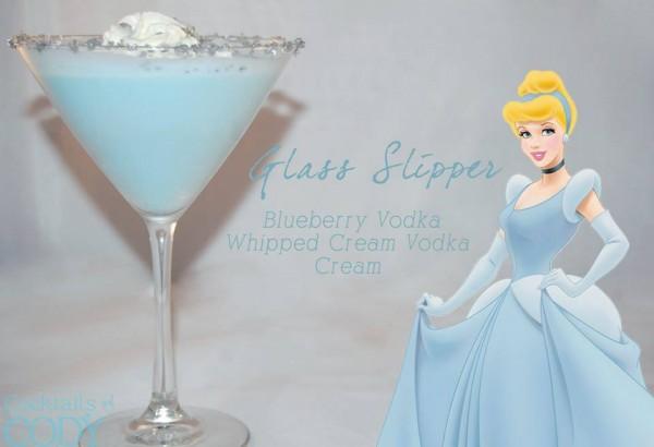 Drink Cinderella: Vodka de Blueberry + Vodka de Chantilly + Creme