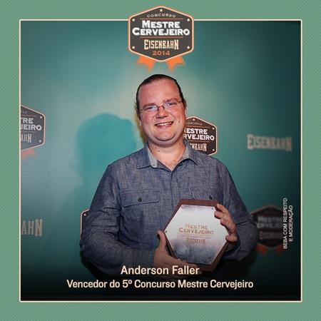 Anderson-Faller-é-o-vencedor-do-concurso-Mestre-Cervejeiro-2014-2